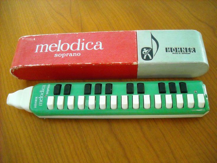 Vintage Musikinstrumente – Harmonika – ein Designe…