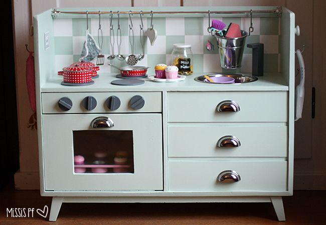 DIY Kinderküche, Spielküche aus einem alten Möbel :: DIY play kitchen made from old cabinet