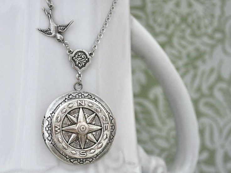 Medaillonketten - Antikes Silber im Wald kompass Foto Medaillon - ein Designerstück von MadamebutterflyMeagan bei DaWanda