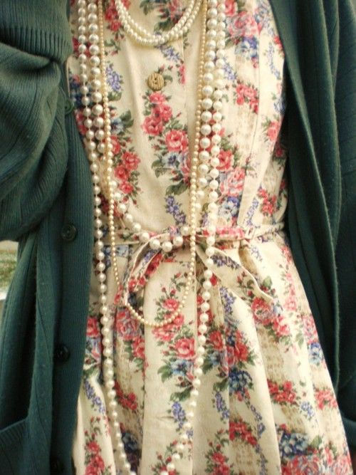 pearls&floral;.: Fashion, Floral Cardigan, Style, Clothes, Pearls, Outfit, Floral Dresses