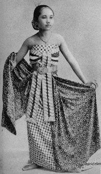 Girl wearing Indonesian Batik 02