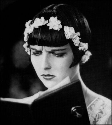 Louise Brooks reading