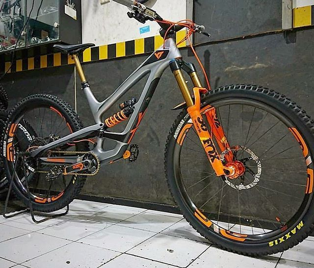 A Color Matched Set Of M730 On A Yt Capra Ready To Send Photo And