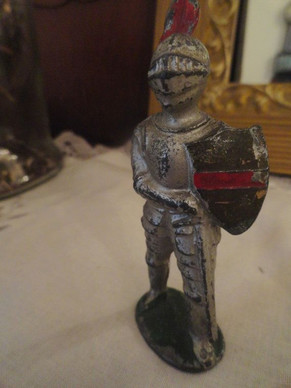 Vintage KNIGHT in shining armor figurine Barclay Manoil Lead soldier medieval knight on Etsy, ...