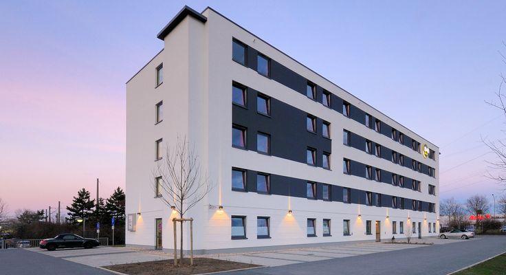 Außenansicht des B&B Hotels Freiburg-Süd