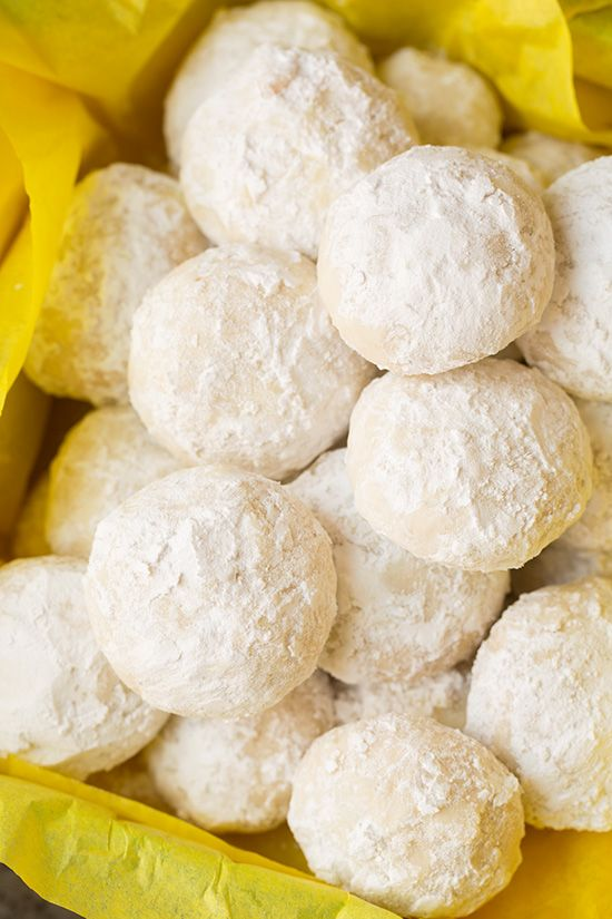 Lemon Snowball Cookies - I'm in love with these cookies! Melt-in-your-mouth DELCIOUS!
