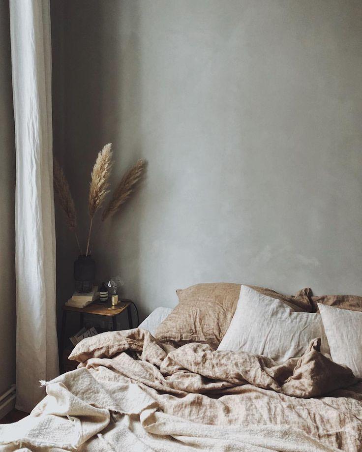 "5,042 Synes godt om, 54 kommentarer – Laura & Nora (@_designtales_) på Instagram: ""Almost weekend✨ ____ #bedroomdecor #bedroominspo #bedlinen #bymolle #jotun #ladyminerals…"""
