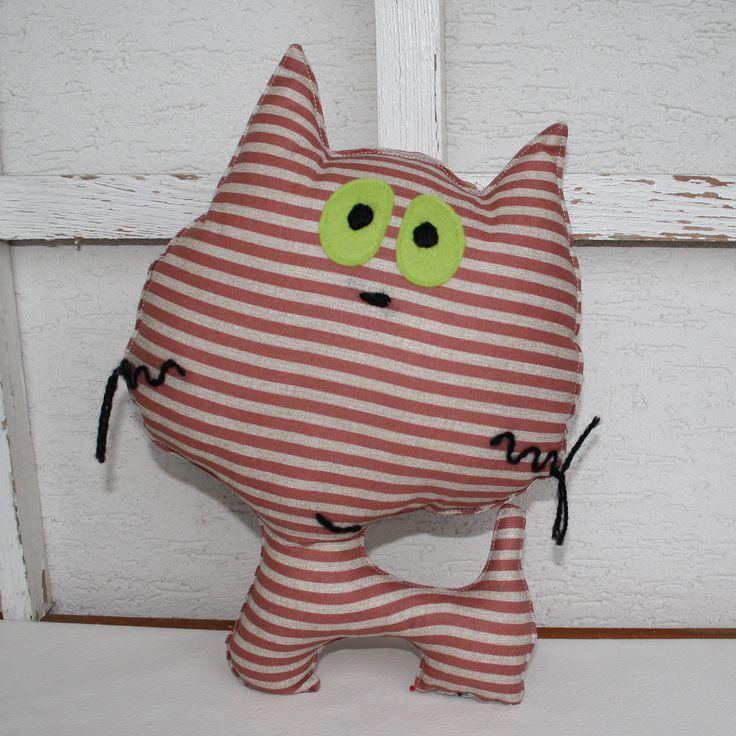 cat pillow - http://monahtoys.blogspot.sk/