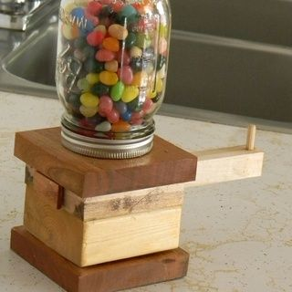 Woodworking Projects for Beginners - I made one of these gum ball machines in school...I thought it was a great project!