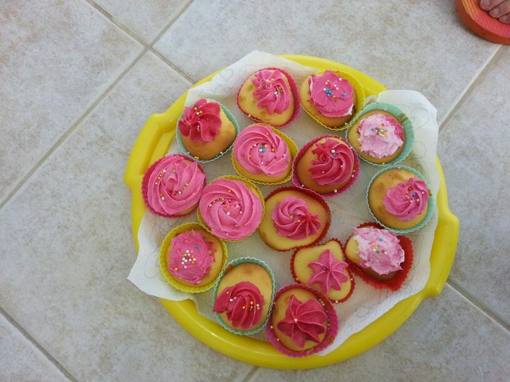 Color cup cake