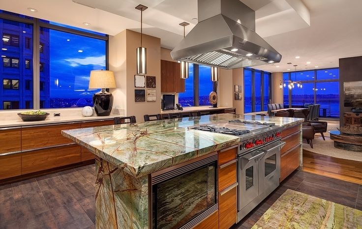 Seattle Breathtaking penthouse with waterfront views in downtown Seattle Listed by: Shawn Filer Group | Nick Glant | Northwest Group Real Estate
