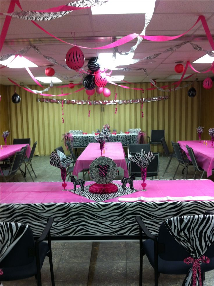 This is how i want my baby shower!!!!!! Zebra baby shower