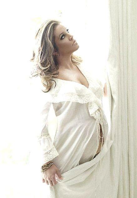 Lisa Marie Presley Pregnant 75