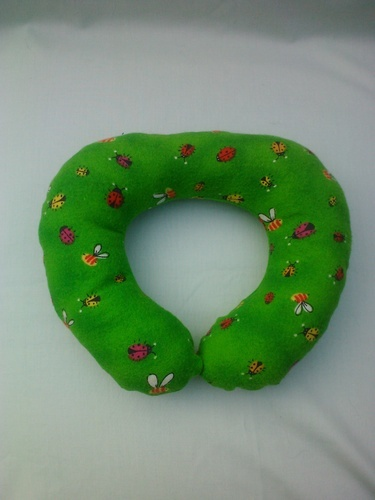 ' Car seat neck pillow for kids' is going up for auction at  2pm Wed, Aug 22 with a starting bid of $4.