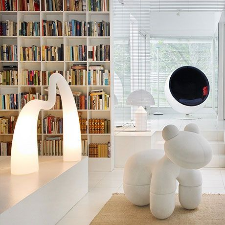 Flamingo Floor Lamp by Eero Aarnio | MONOQI #bestofdesign
