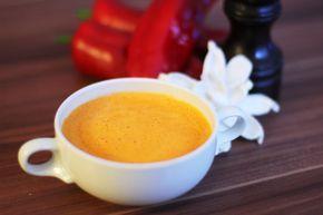 GrillPaprika-Cremesuppe mit Honig und Sesamöl
