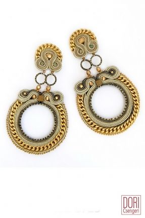 La Divina gold hoop earrings by Dori Csengeri. #DoriCsengeri #gold #earrings #hoops #hoopearrings #designermaker
