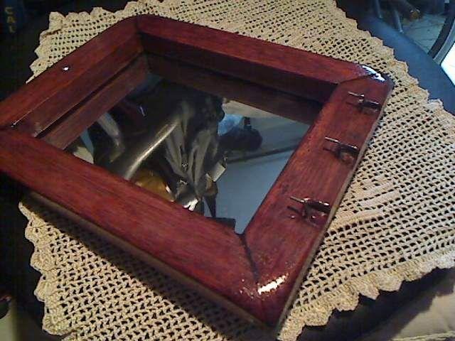 Oltre 25 fantastiche idee su specchio con cornice in legno for Appendi specchio