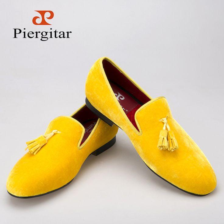 Piergitar New men velvet shoe with velvet tassel Party and Wedding men dress shoes British style men loafers fashion men's flats