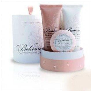 Cadou Cosmetice Boheme Luxurious Essentials & Eşarfă http://www.borealy.ro/cadouri-femei/cadou-cosmetice-boheme-luxurious-essentials-esarfa.html