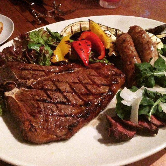 #italia #italy #carne #carnemisto #manzo #beef #bistecca #steak #salsiccia #sausage #gligliata #grilled #gligliatamista#rucola #牛肉#ソーセージ #グリル #ステーキ #イタリア料理#イタリアン #肉 #ルーコラ #ロケット