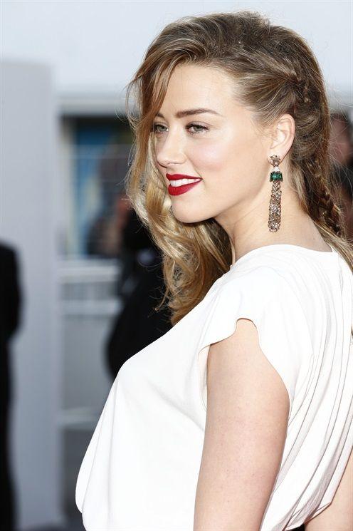 Amber Heard - Rossetto Rosso Scuro