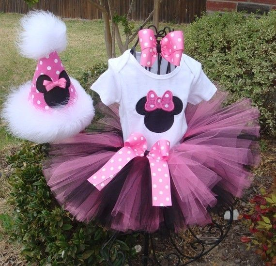 Minnie Mouse Party @Yves Paul Scherer Lobanov Hasenpflug this is cute for Bella's next bday!! Lol