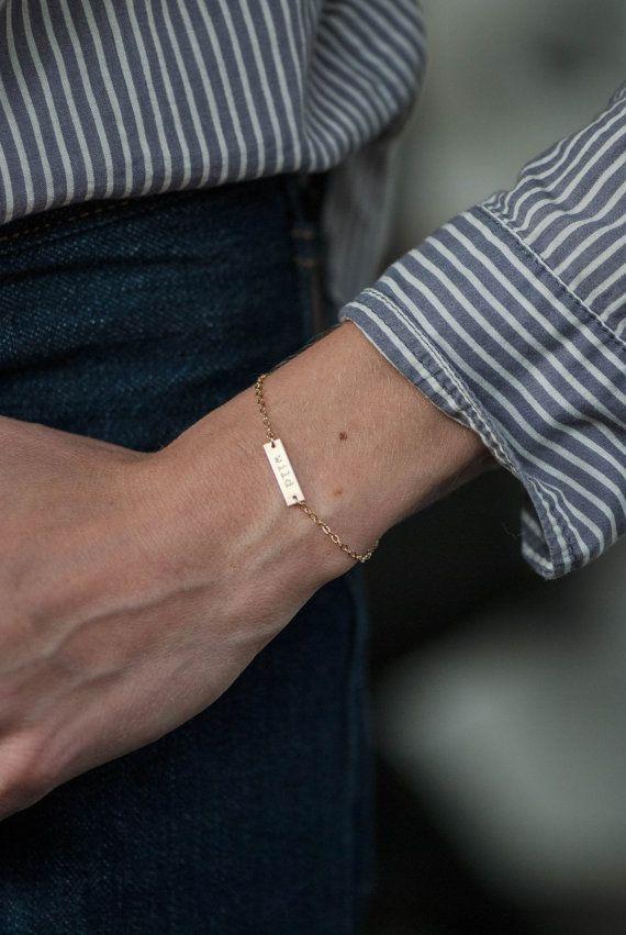 EINSEITIGE kleine Doppelnamen personifiziert Armband von FreshyFig