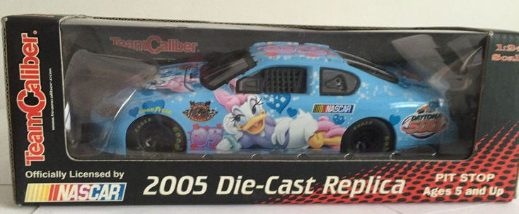 NASCAR Disney Daisy Duck Team Caliber 2005 Die Cast 1:24 Pit Stop NRFB #TeamCaliber