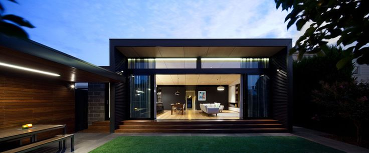 This modern home extension in Australia will make you immediately start making plans for enlarging your outdated home. Look what transformations can bring!