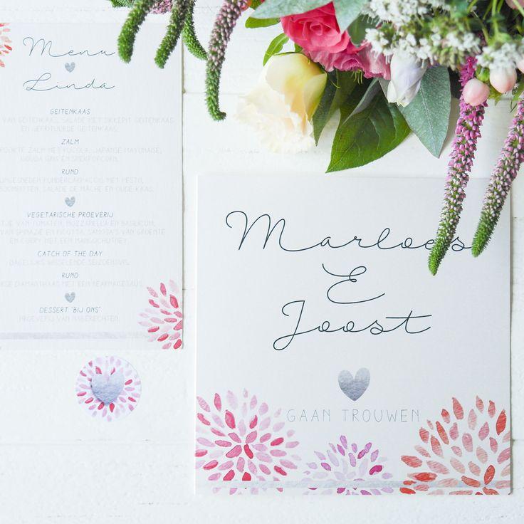 Trouwkaart / menukaart / stickers Marloes&Joost.  Zilver - hart - bloemen - rode envelop - menu - bruiloft - trouwen - wedding - invitation - uitnodiging
