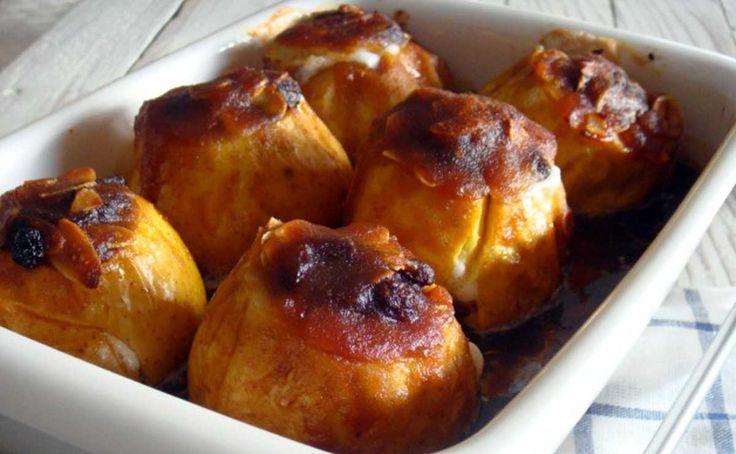 ¡Desayuno caliente! Manzanas horneadas en una cocción lenta http://www.upsocl.com/comida/desayuno-caliente-manzanas-horneadas-en-una-coccion-lenta/
