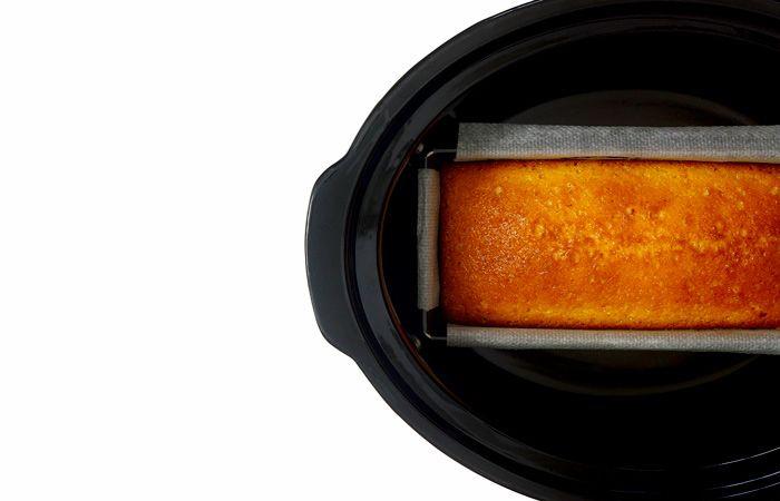 Cómo hacer bizcocho de limón en crock pot o slow cooker. Receta paso a paso. Descubre esta y otras recetas de bizcochos hechos en olla de cocción lenta.