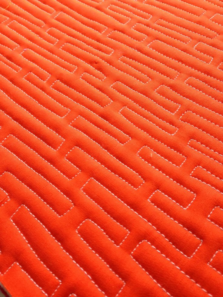 Planks Free Motion Quilting Design - This free quilting video teaches you how to free motion quilt with free quilt designs.