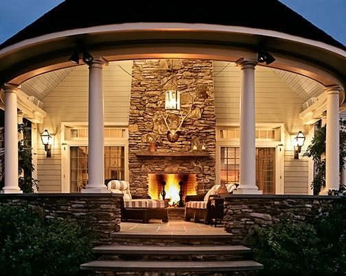 I think I could live on that patio, no need to have a house attached to it :o)