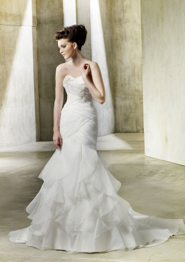 Fit Flare Sweetheart Vertical D Ruffled Skirt Chiffon Wedding Dress Wf0029 259 95 The Gown Pinterest Dresses And