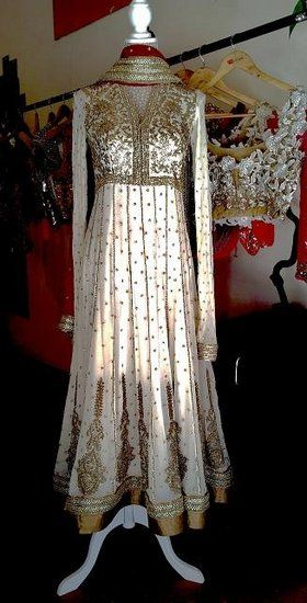 French Curve by Anjali Sharma Info & Review | Bridal / Trousseau Designers in Bangalore | Wedmegood