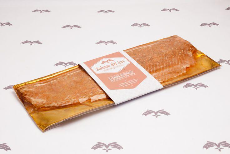 Salmón ahumado en caliente. Filete entero de 600 grs. Venta de Salmón ahumado en Santiago | Salmón del Sur. @salmondelsur #salmonahumado salmondelsur.cl