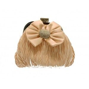 This small champagne #clutch #bag is secure and fits in your hand - See more at: http://myeveningdress.co.uk/clutch-bags/1356-charming-champagne-beige-hand-clutch-bag.html#sthash.dgXaBsD7.dpuf