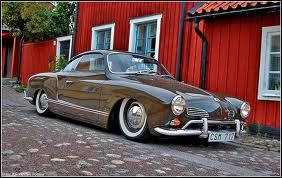 The Volkswagen Karmann Ghia was a two-door sports car. There are two models, both by Italian agency Ghia were designed. The German coachbuilder Karmann built between 1955 and 1974 more than half a million pieces
