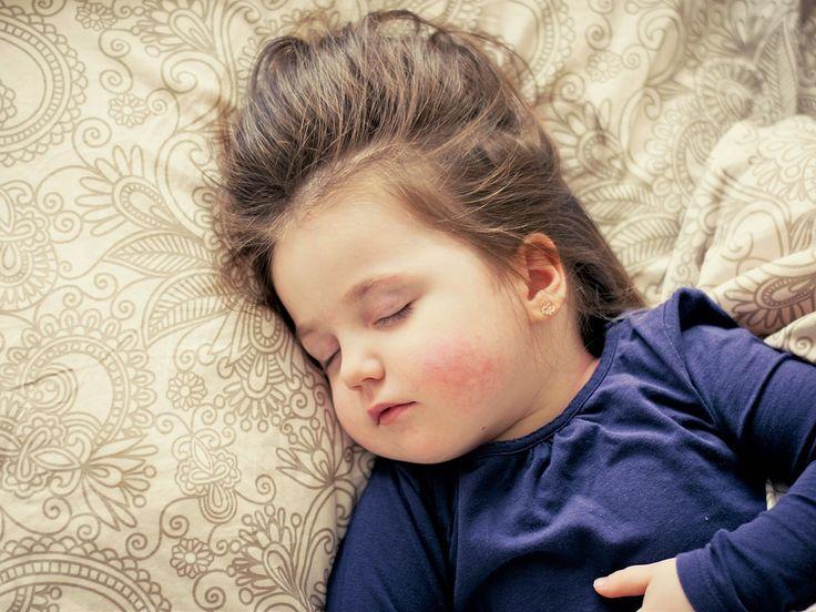 Pre každého rodiča je veľmi stresujúce a bolestivé vidieť, ako jeho dieťa trpí. Má vysokú teplotu...