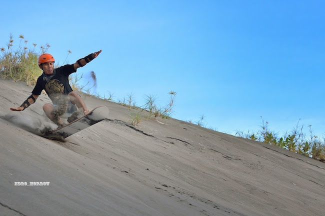 WowShack | Sandboarding The Dunes of Yogyakarta!
