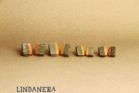 LINDANERA JEWELS Contemporary jewels in CONCRETE with gold 23 carats and copper, completely handmade. Visit my online shop: https://www.etsy.com/it/listing/280494540/orecchini-rettangolari-in-cemento-con?ref=shop_home_active_21