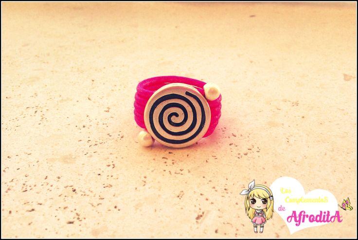 Anillo de cuero rosa fluor y zamak espiral