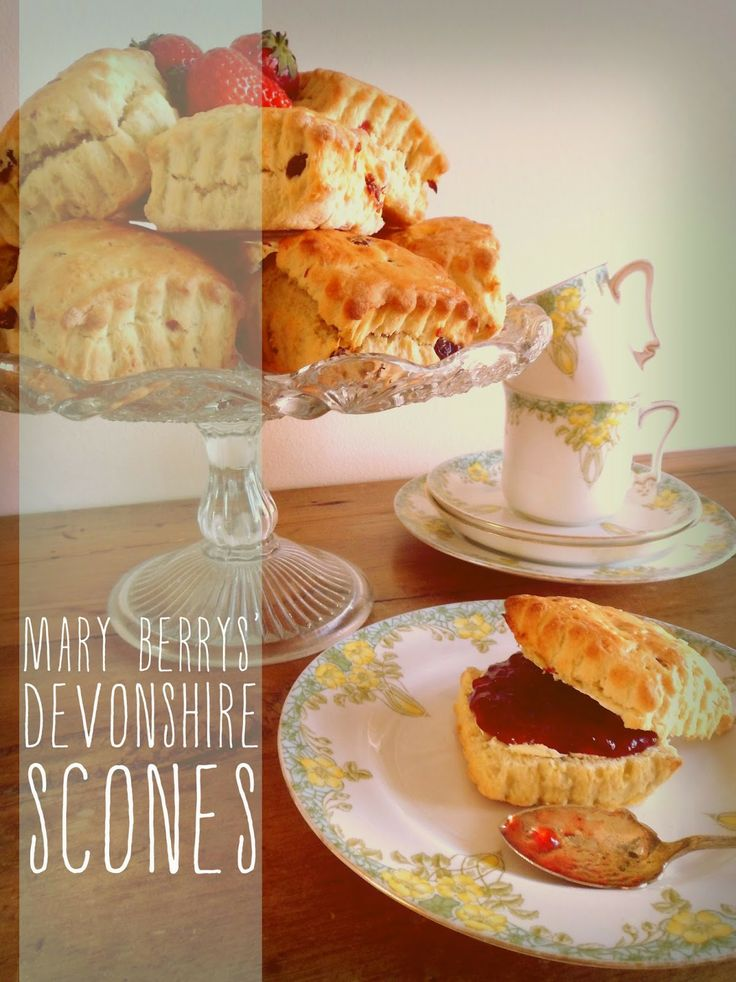 simply eat: simply eat. baking // Mary Berrys' devonshire scones