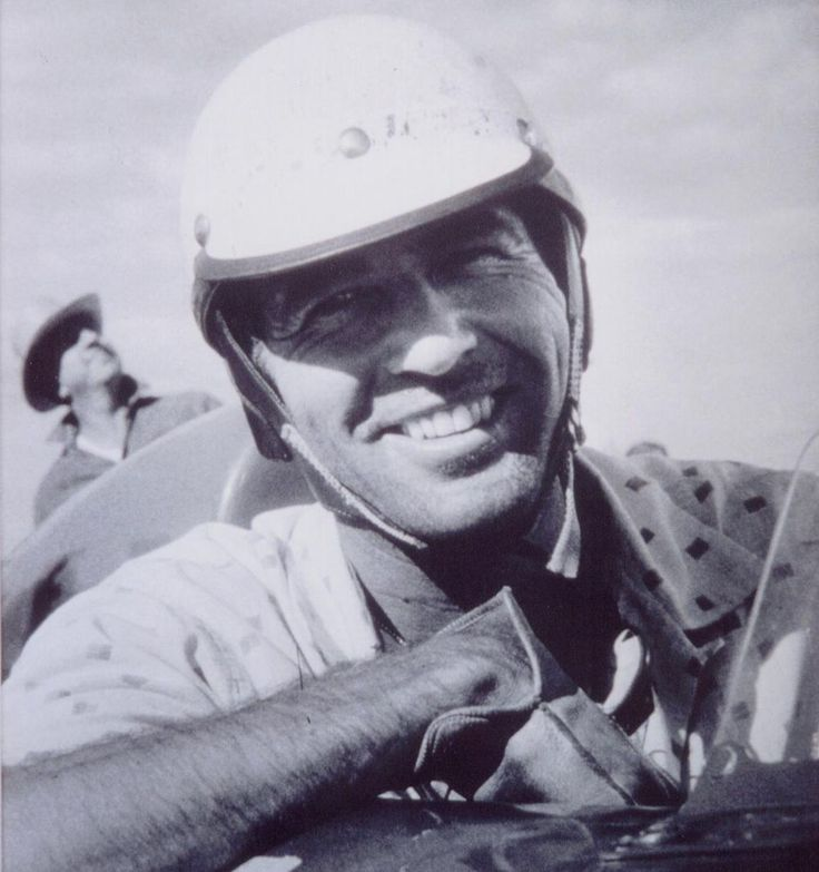 Carroll Shelby, performance legend, dies - what a smile