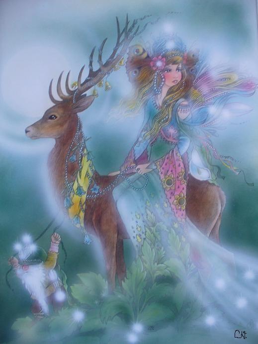 Wenn es Mitsommernacht wird dann komt die Elfenkönigin und besucht ihre tausende und abertausende Blumenelfen. Stolz trägt der Königshirsch seine kostbare Last...  aus meinem Märchenbuch von  Christl Vogl