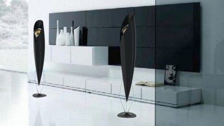 Carbon_fiber_home_stereo_speakers_01