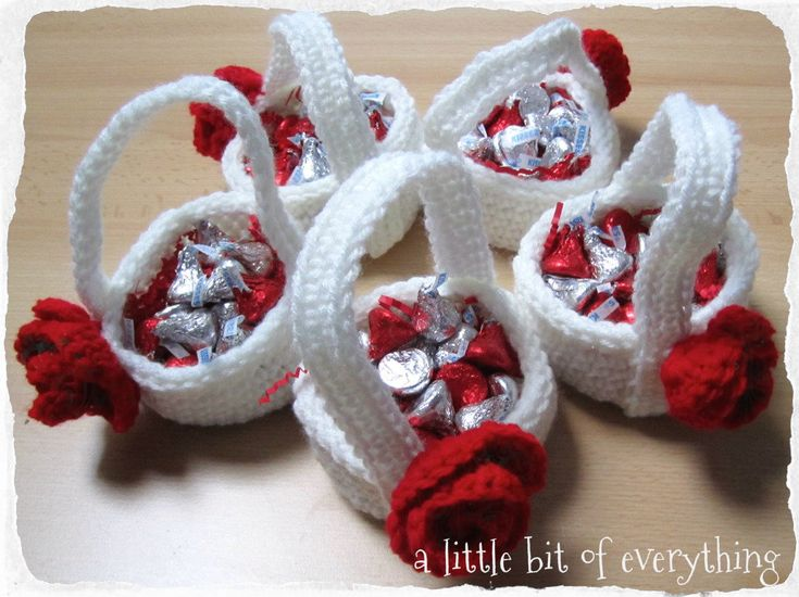 Free Crochet Pattern for these adorable little baskets...perfect for Valentine candy. Link to free pattern under second pic (Lion Brand Yarn Website)  :)