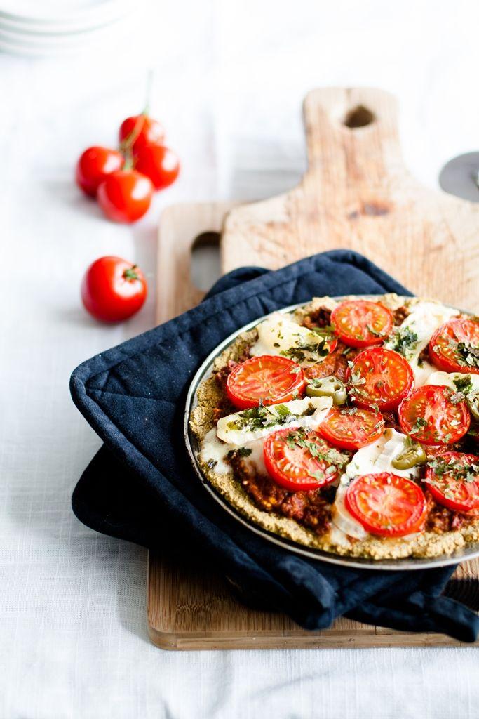 Bezglutenowa pizza ciecierzycowa  zobacz przepis na : http://totomato.pl/Przepisy,46.html#przepisySub